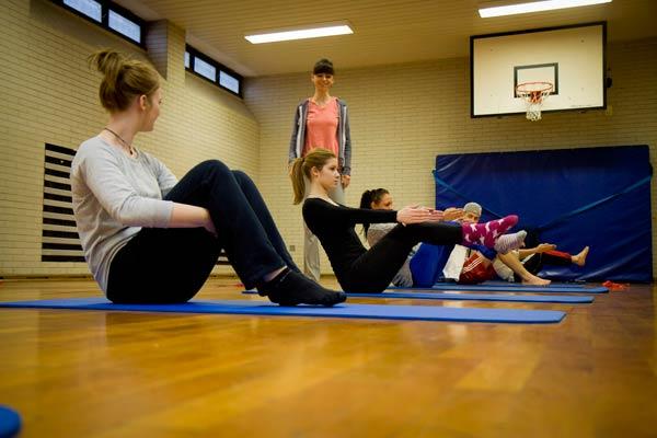 Projekttage Gesundheit März 2014 Beweglich bleiben – Rückenstärkung durch Übungen aus dem Yoga