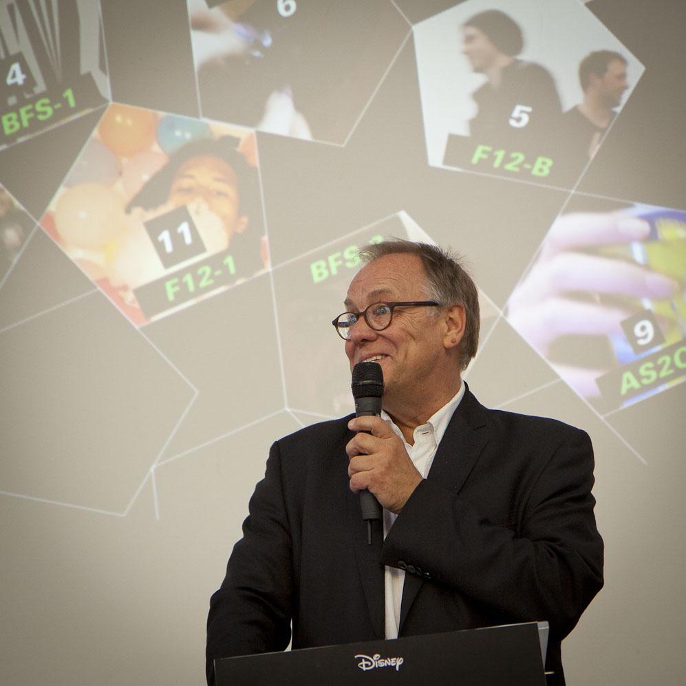 Bernd Schäfer verabschiedet die Abschlussklassen 2016