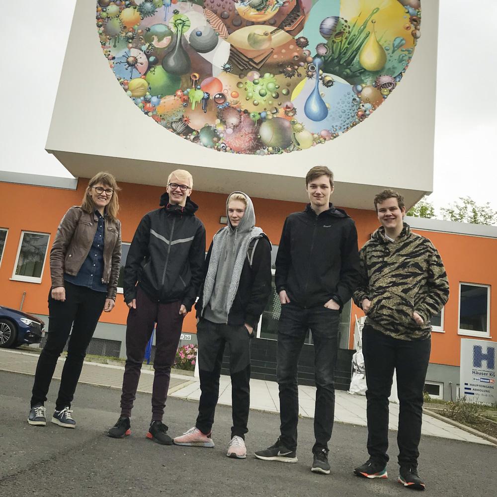 Die norwegische Kollegin Siv Nordsveen mit ihren vier Schützlingen.