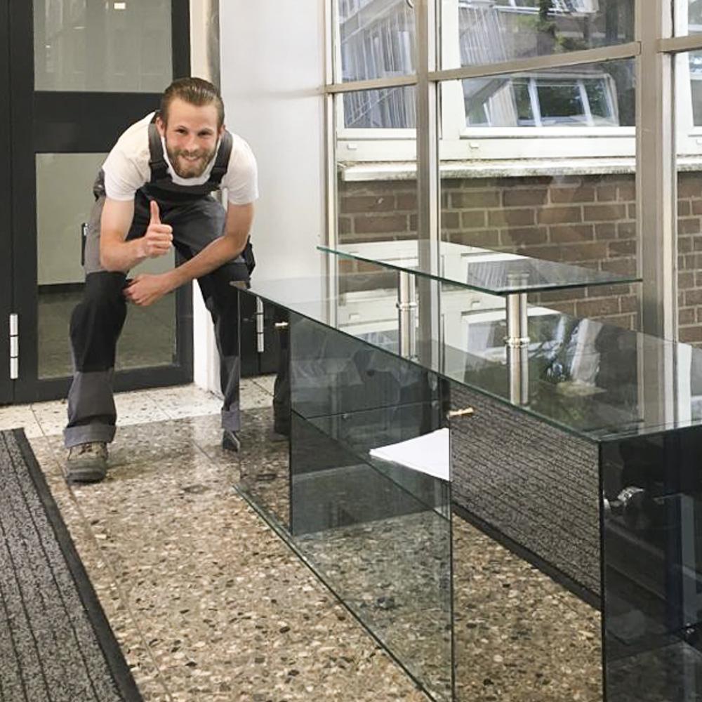 16 frischgeschliffene Glasergesellen